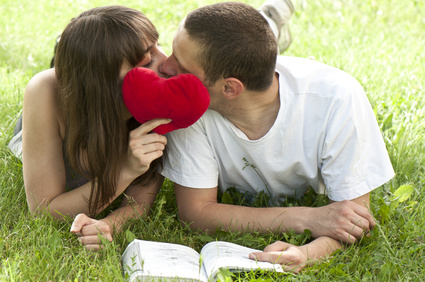 """20代の「授かり婚」はアリ!?最終手段""""できちゃった結婚""""について考える"""